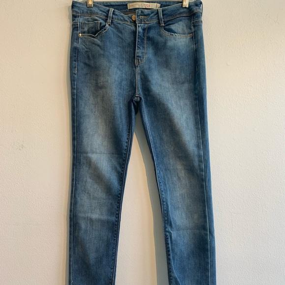 Zara Skinny Leg Cropped Jean